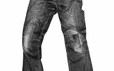 Air-Drying vs Machine-Drying Denim Jeans