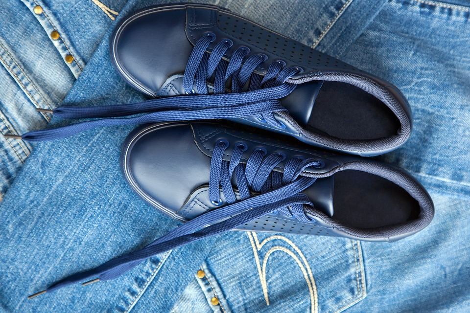 What Shoes Should I Wear with Jeans?