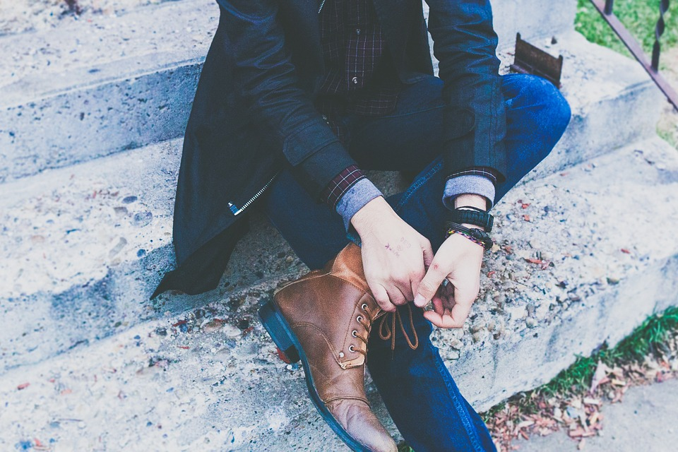 How to Wear Denim Jeans for a Business Casual Look