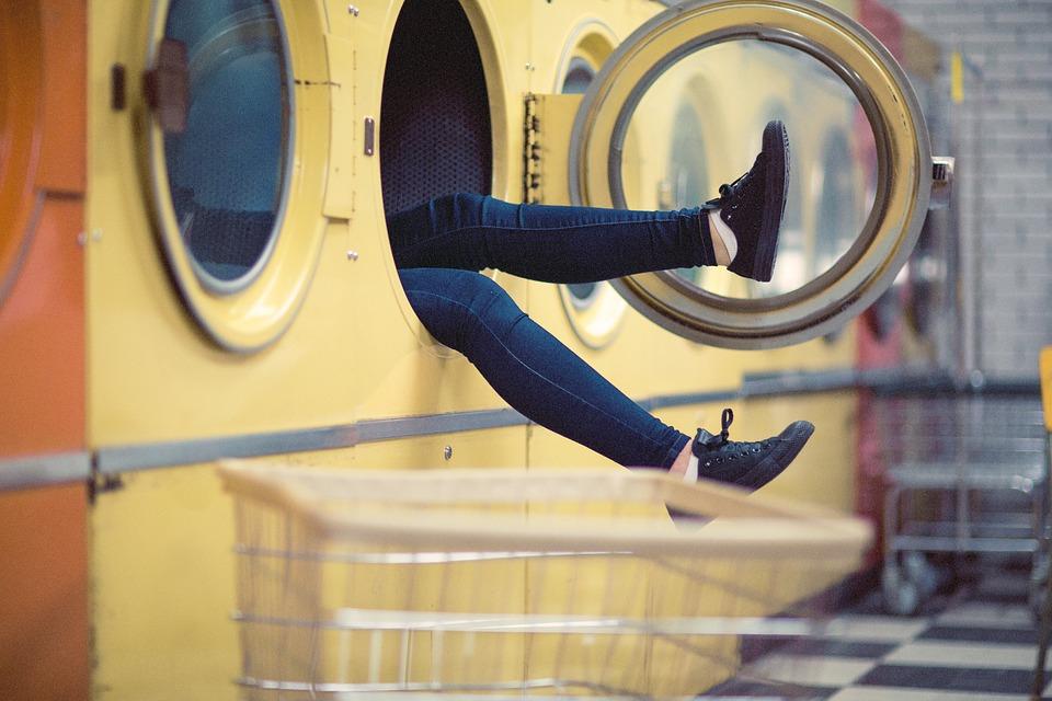 10 Tips for Washing Denim Jeans