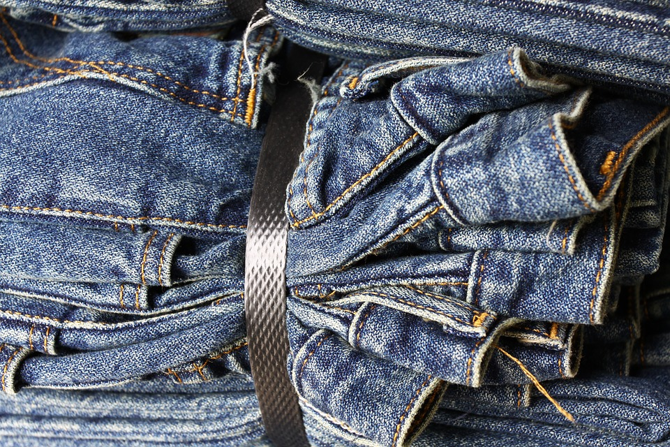 6 Tips To Prevent Denim Dye From Bleeding Makeyourownjeans