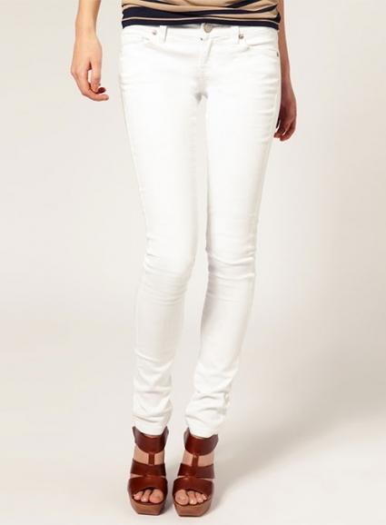 7 Benefits of Choosing White Jeans