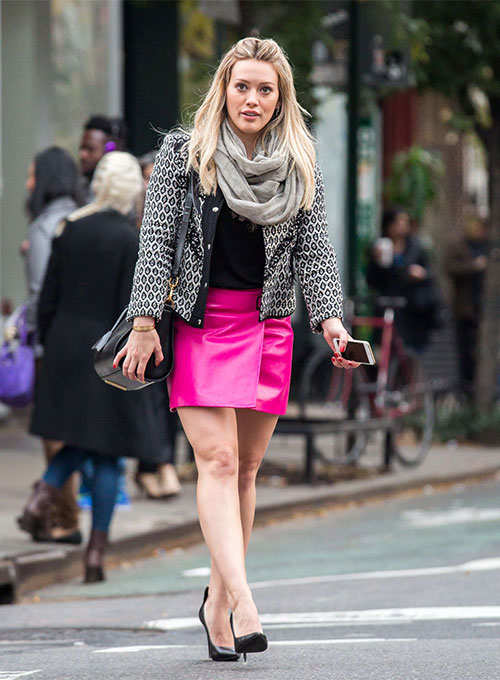 Hilary Duff Younger Leather Skirt - Click Image to Close
